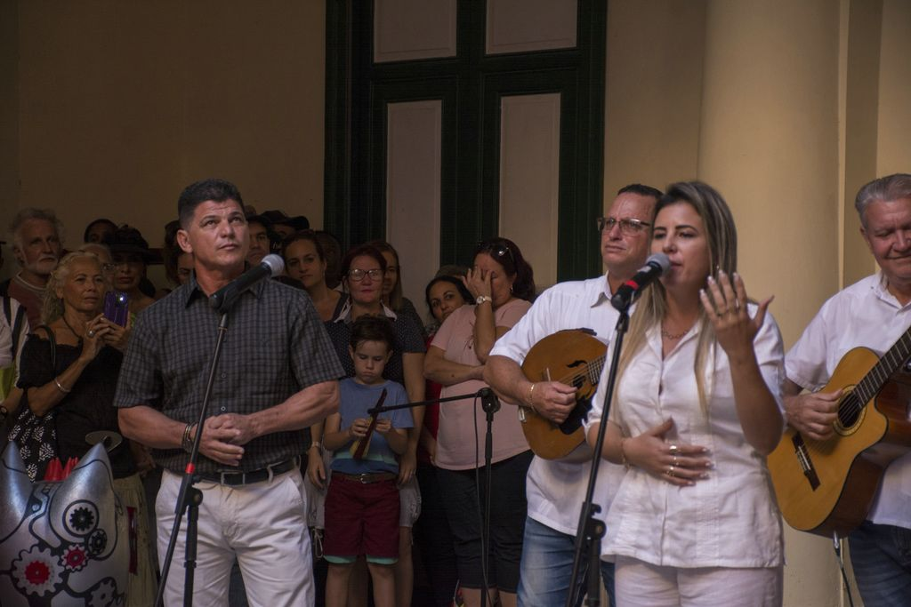 El repentismo cubano también estuvo presente en la cita