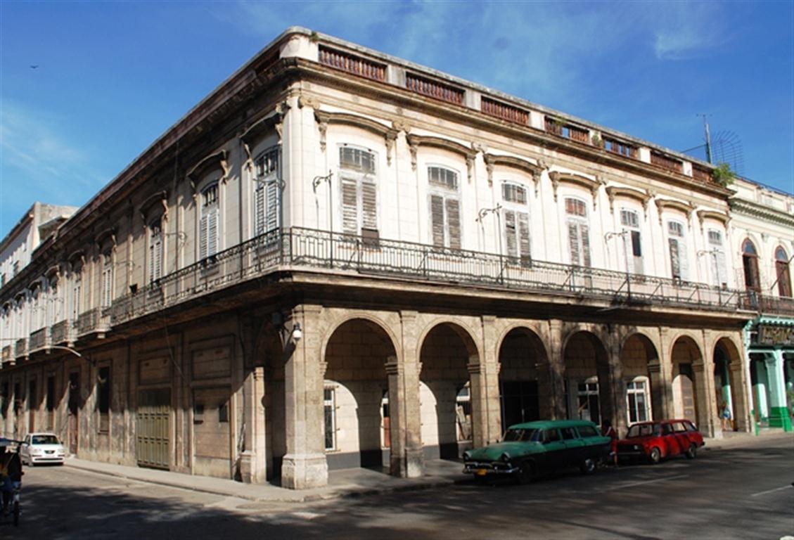 Prado 266 antes de la restauración