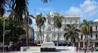 La_havane_parque_central_Jose_Marti (Medium)