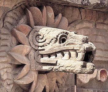 Dios Quetzalcoatl: la Serpiente Emplumada