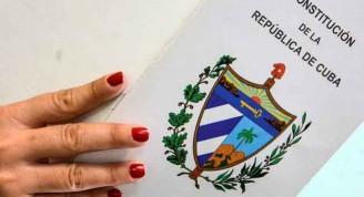 En proceso de análisis, la propuesta del anteproyecto  de  importantes modificaciones de los artículos que conforman la Constitución vigente, en La Habana, Cuba, el 4 de julio de 2018.     ACN  FOTO/ Abel PADRÓN PADILLA/ rrcc