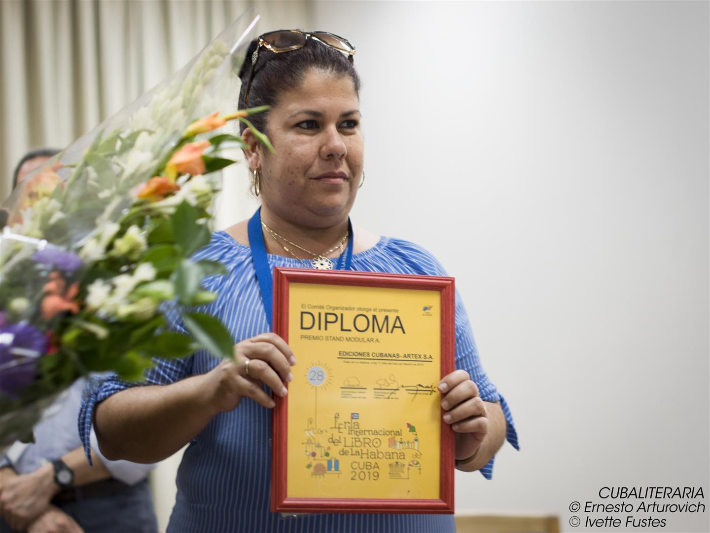 Ediciones Cubanas Artex se alzó con el Premio a Stand Modular