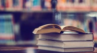 libro-biblioteca-libro-texto-abierto_1150-5918