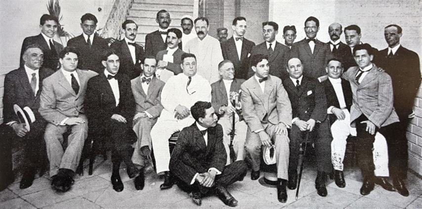 """Redacción del periódico """"La Lucha"""". """"El Fígaro"""", 1909"""