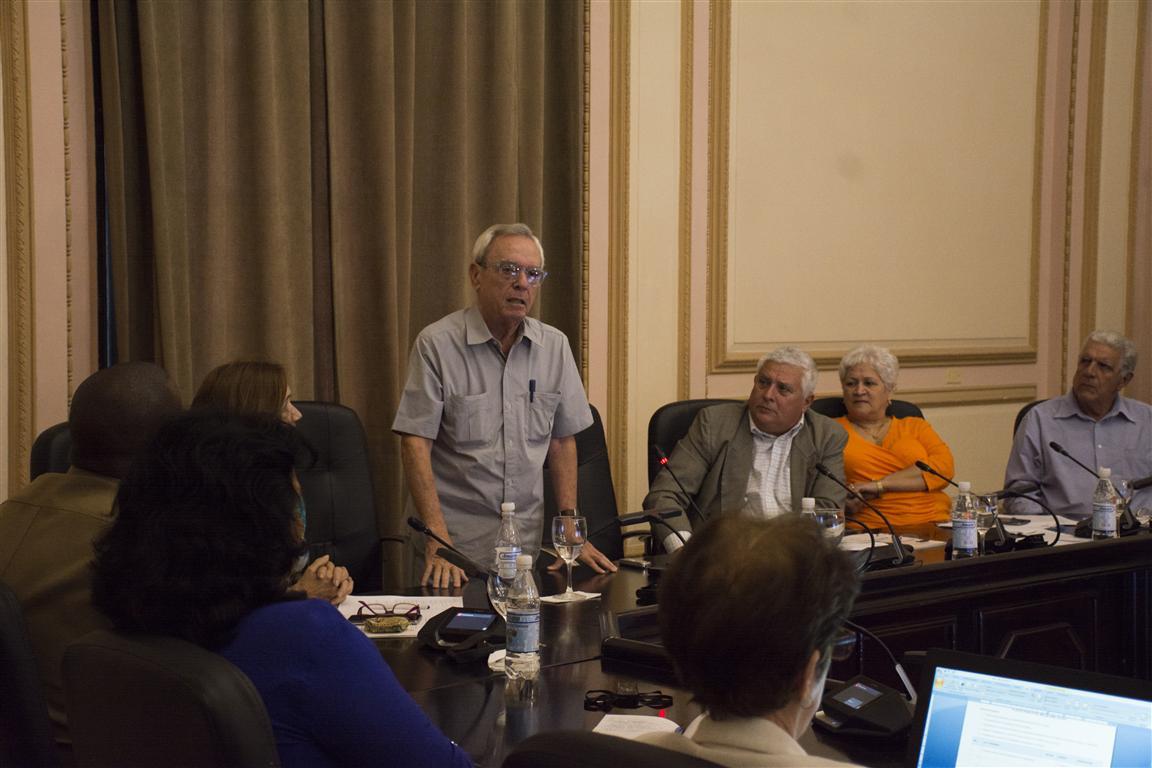 reunión diputados 4 (Medium)