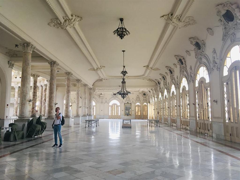 Recorrer los pasillos del Gran Teatro de La Habana Alicia Alonso es conocer 181 años de historia de aquel fuera nombrado Teatro Tacón en su tiempo, en honor al Capitán General de la Isla e ideólogo fundamental de su construcción en 1838, Miguel de Tacón y Rosique.