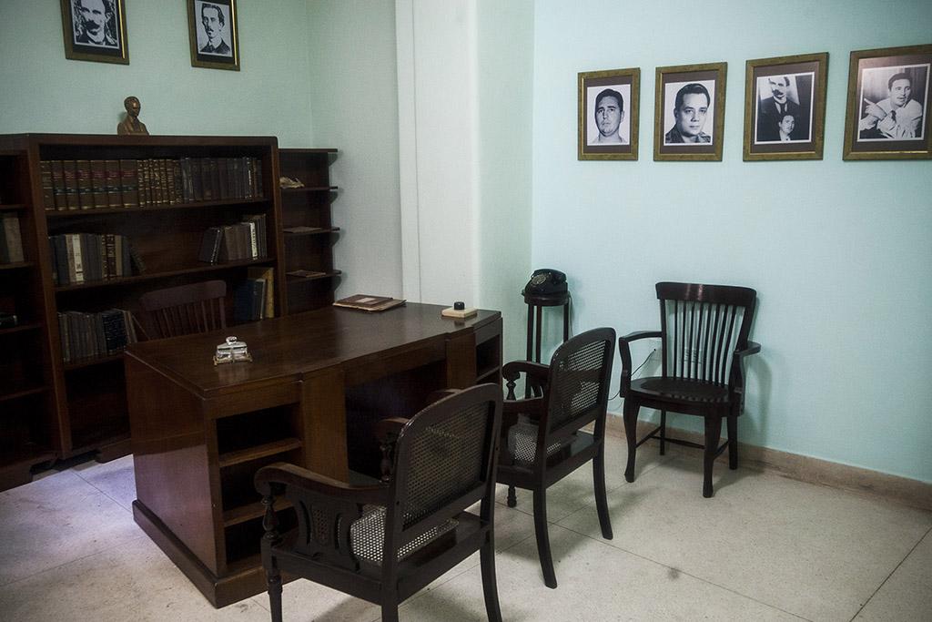 Bufete de Fidel Castro. Apmto. 306
