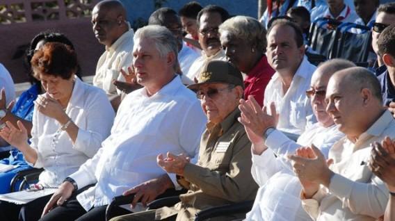 Raúl_Castro_y_Díaz-Canel_escuela_especial_Amistad_Cuba-Vietnam_Santiago_de_Cuba