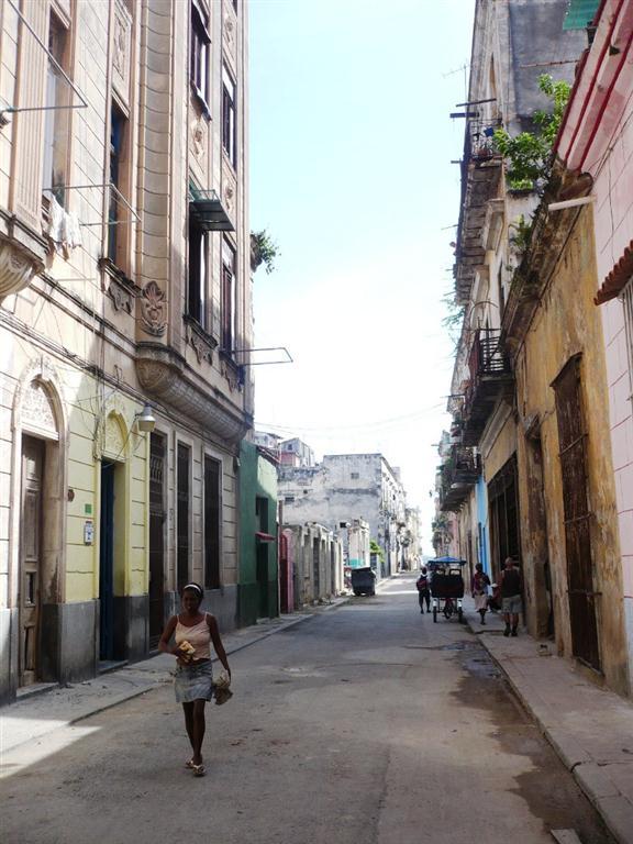 Calle Santa Clara