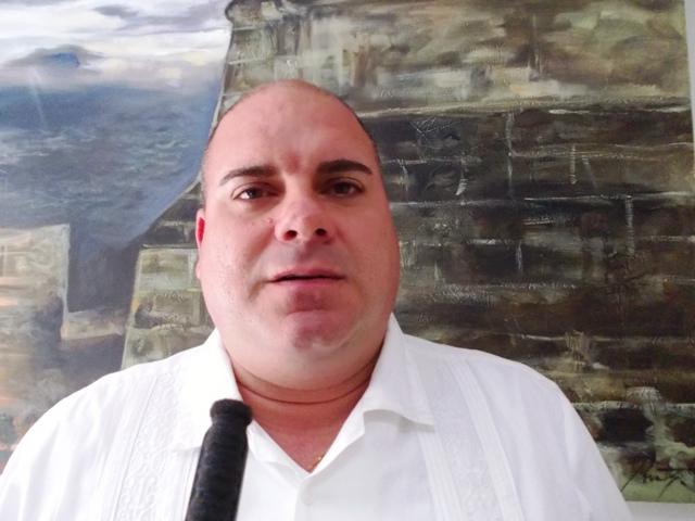 Doctor Giraldo Setien Álvarez, Presidente de la Asociación Cubana de Bibliotecarios en la Filial Santiago de Cuba