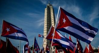banderas-primero-mayo-cuba