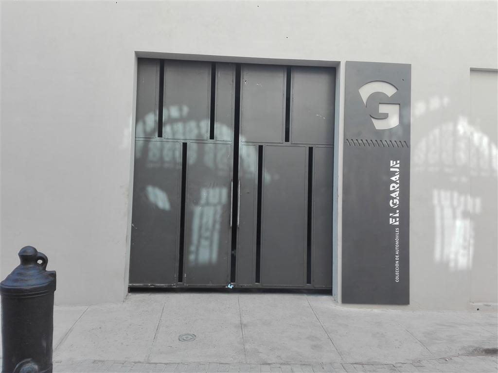 fachada El garaje (Medium)