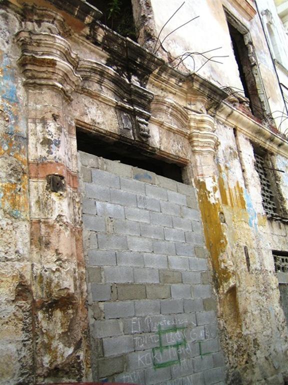 San Ignacio 414, deterioro (portada)