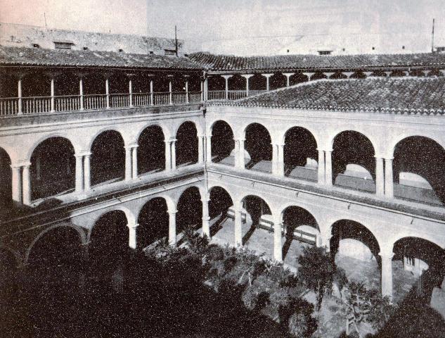 Patio interior del antiguo seminario