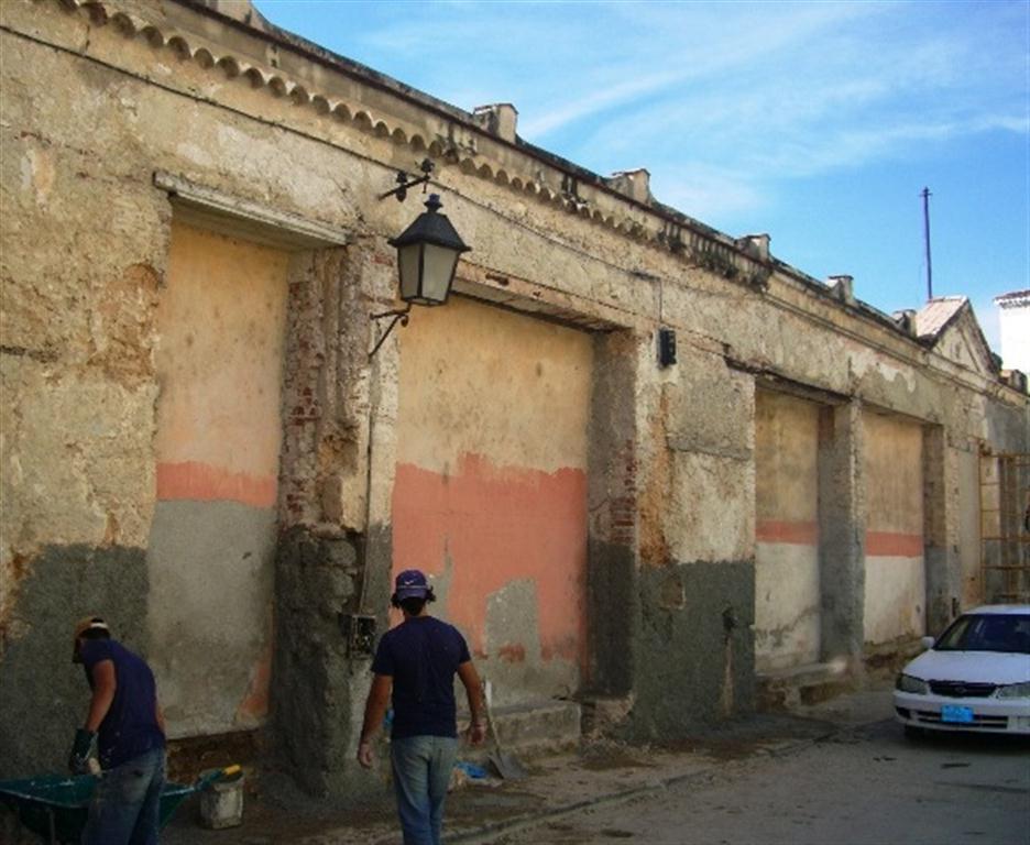 Muro del antiguo hospicio, obras