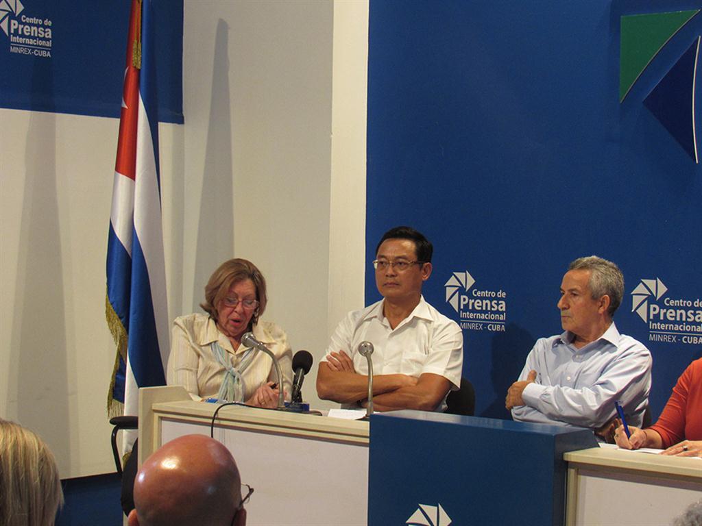 embajador de vietnam (Medium) El embajador vietnamita Nguyen Trung felicitó a Cuba por la organización del evento