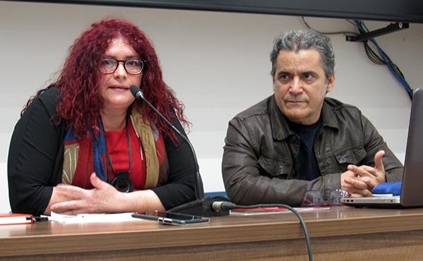 Marilyn Solaya junto al historiador Julio César González Pagés.