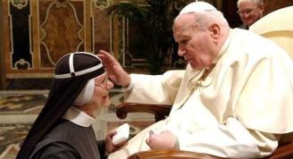 Madre-Tekla-junto-al-Papa-Juan-Pablo-II