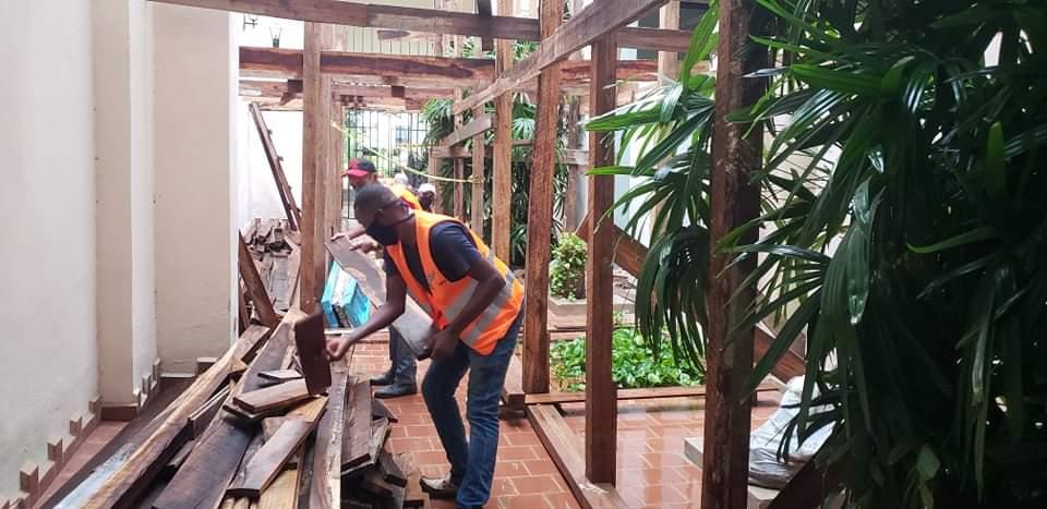 Trabajos de restauración en la Casa de äfrica