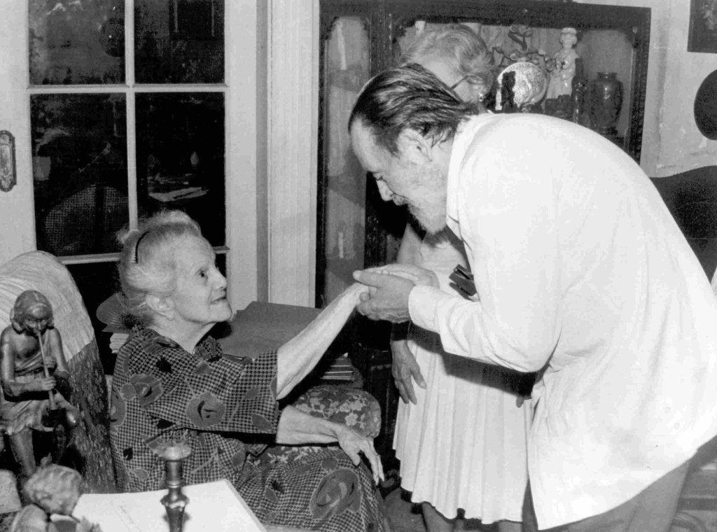 Eliseo Diego junto a Dulce María Loynaz