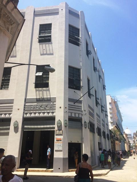 Edificio de Teniente Rey y Habana en la actualidad