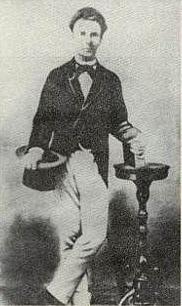 Retrato de Martí, 1871, seguramente hecho en Madrid durante la primera deportación.