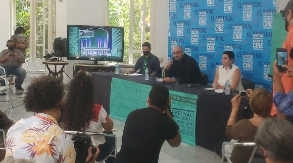 Momentos de la conferencia de prensa del 42. Festival de Cine