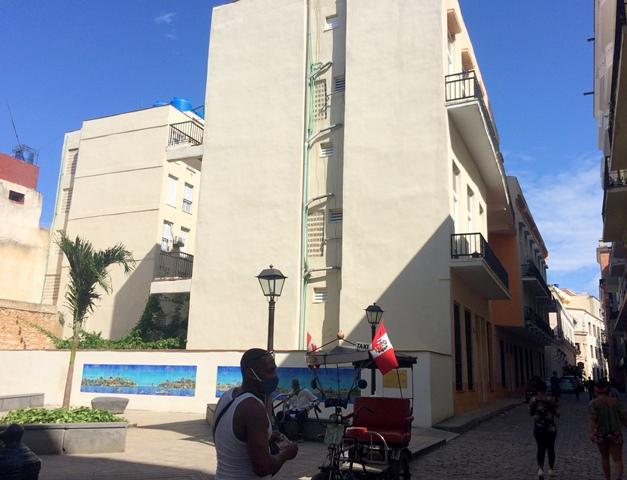 Lamparilla esquina a San Ignacio, el nuevo edificio, dic. 2020