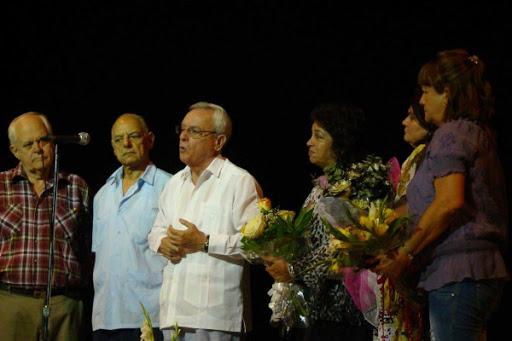 Leal en las palabras de elogio a la Premio Nacional de Danza Isabel Bustos