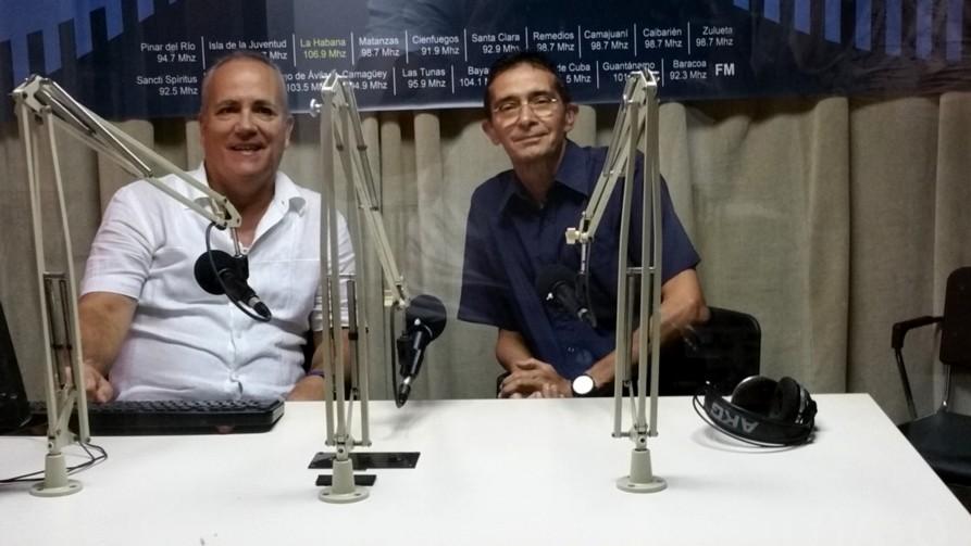Con Miguel A. Hernández , esepcialista rincipal del Centro de Prónosticos del Inst. de Meteorlogía