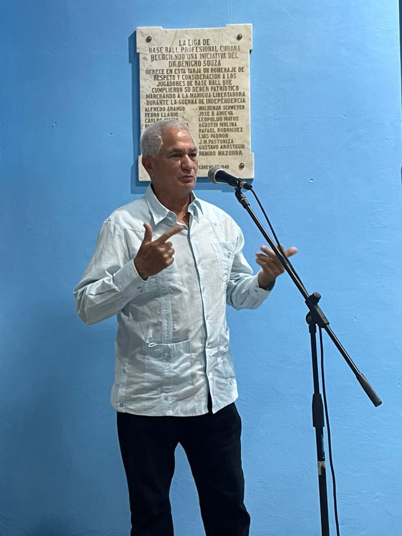 Comisionado Nacional de Béisbol, Higinio Vélez