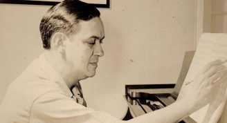 Lecuona Estados Unidos 1943ante el piano busqueda cc