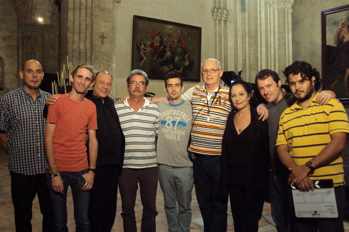 El equipo de realización del documental con Beatriz Máquez y Guillermo Tuzzio