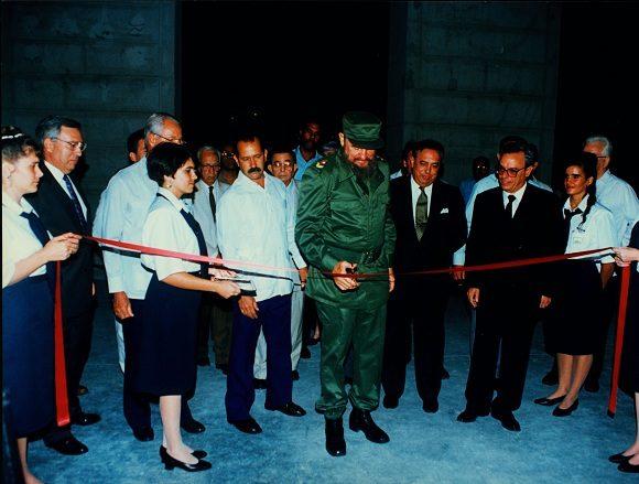 Fidel y Eusebio Leal inauguran obras en La Habana Vieja