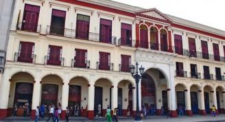 Fachada por Prado luego del proyecto de 1991