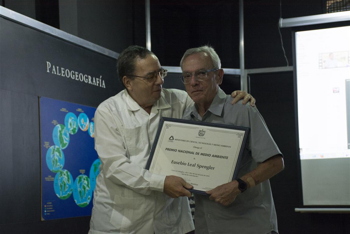 Eusebio Leal recibe el Premio Nacional de Medio Ambiente 2018.